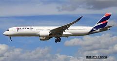 FIRST FLIGHT FOR THE FIRST AIRBUS A350-900XWB LATAM F-WZGR  MSN045    (PR-XTD) (jleroch) Tags: aeroport toulouse blagnac airbus base a350xwb a350900