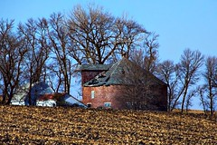 FAllRunOnRoundBarns_21 (Mark Stumme) Tags: midwest darktable luminancehdr iowa heartland cornbelt nikond600 farmstead ruraldecay landscape roundbarn
