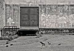 IMG_6347b - Door dock (ragnarfredrik) Tags: dock wall shelf platform bw texture