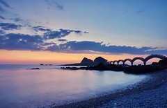 (Diego Chiu) Tags:                 sunset sunrise bridge sansaintai island magichour  vnd