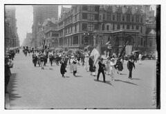 4th July [parade] (LOC) (The Library of Congress) Tags: libraryofcongress dc:identifier=httphdllocgovlocpnpggbain27389 xmlns:dc=httppurlorgdcelements11 july41918 loyaltyparade 1918 newyork 5thavenue