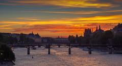 The Seine (JorisDierickxx) Tags: paris parijs pont des arts seine river rivier riviere france frankrijk europe europa sunset zonsondergang evening romance water city architecture buildings golden