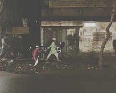 Fright. Dhaka, 2016. (rahat_kabeer) Tags: fright dhaka night bangladesh 2016 fear baby ghost photography phonephotography chair unused road footpath fade tree htc m8