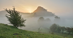 The hills that keep on giving (Andrew Mowbray) Tags: parkhousehill peakdistrict peakdistrictnationalpark walkinginderbyshire whitepeak reefknoll chromehill hollinsclough derbyshire earlsterndale sunrise earlymorning limestone