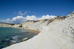 (Giramund) Tags: italy sicily scaladeiturchi sea white sandstone