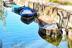 Barques (rossendgricasas) Tags: water boat reflection river travel blue nikon photography photoshop barca albufera valncia