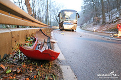 Tödlicher Verkehrsunfall B54 04.12.14 (Wiesbaden112.de) Tags: bad sin polizei rettungswagen notarzt manv taunusstein schwalbach b54 verkehrsunfall notfallseelsorge tödlicher verletztensammelstelle skomponente