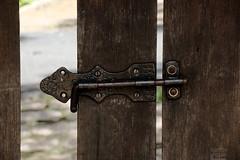 Vos (Ha1000) Tags: door wood white lock porta fenda madeira trinco veio fecho