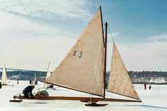 ekmIceBoat02 (K_Marsh) Tags: hudsonriver hudsonvalley iceboating iceyachting