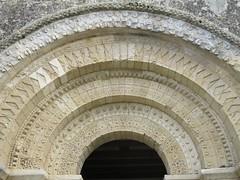Eglise (XIIe), Rioux (17) (Yvette G.) Tags: architecture 17 église saintonge charentemaritime rioux poitoucharentes artroman