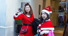 DSC_1551.jpg (Sav's Photo Gallery) Tags: santa christmas street city uk red people colour london outdoor candid capital tube stpauls coventgarden santacon londonunderground selfie d7000 savash