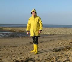 Strandstar Friesennerz (Nordsee2011) Tags: raincoat rubberboots rainwear gummistiefel raingear regenjacke jeantex regenmantel friesennerz ostfriesennerz regenkleidung regenbekleidung strandstar