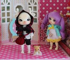 Specter Sees a Vision #8 (Arthoniel) Tags: kimi doll bad bakery tiny limited recent diorama balljointeddoll specter latidoll faceup normalskin lateyellow nomyens cosmeticdoll