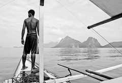 Philippines, Palawan (simon clare photography) Tags: travel sea portrait blackandwhite bw white black reflection monochrome digital landscape asian island person photography mono coast boat nikon asia paradise fotografie photographie philippines explore anchor filipino coastline guide fotografia tones westcoast archipelago elnido palawan fotografi fotografa fotografering islandtour ffotograffiaeth  d40 ljsmyndun fotograafia fotografija valokuvaus   fnykpezs fotografovn fotografana simonclare  fotografovanie grianghrafadireacht  sclarephoto  argazkilaritzac