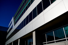 p365/56. (Pics by Susanna) Tags: california blue reflection building green glass modern silver buildings reflections sunnyvale yahoo officebuilding bluesky siliconvalley day56 firstavenue ratseyeview yahoohq day56365 365the2015edition 3652015 25feb15