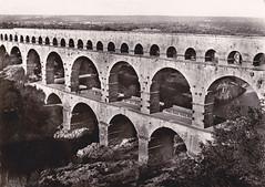 ** Le Pont du Gard (Gard) ** (Impatience_1 (Si site non OK...Y suis moins...)) Tags: old bridge architecture postcard scanned pont pontdugard gard ancien impatience cartepostale numrise monumentsromains