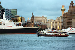 QE2 In Liverpool (David Chennell - DavidC.Photography) Tags: liverpool cunard qe2 merseyside merseyferry