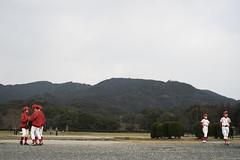 / SONY 7II  Loxia Planar 50mm F2 (mokuu) Tags: boy red baseball