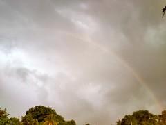 Un mensaje antes de la tormenta (Plape_Amigo) Tags: naturaleza rain arcoiris lluvia rainbow cielo elsalvador nube
