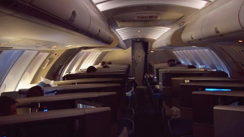 Onboard B747-400 Business Class - Cathay Pacific