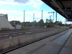 1976 Ludmilla genannte dieselelektrische Lokomotive 232 347-5 (ex 132 347-6) von Lokomotivfabrik Woroschilowgrad (Lugansk) fr Deutsche Reichsbahn Hauptbahnhof Bahnhofstrae in 39104 Magdeburg (Bergfels) Tags: bergfels technischesdenkmal 1323476 br232 br132 ex beschriftet spurweite radsatzfahrmasse schienenfahrzeug anfahrzugkraft kn treibstoffvorrat geschwindigkeit 20jh ddrimport dr achsformel coco lp lnge achsstand 1976 2323475 turbo ladeluftkhlung bahnhofstrase 39104 magdeburg deutschereichsbahn reichsbahn 16zylinder sechzehnzylinder viertakt vmotor eisenbahn lok udssr 1970er luhansk lugansk bahnbilder lokomotivbilder kose lokomotive lokbilder hubraum bohrung hub ccm masse leistung mw ps normalspur sechsachsig 928012323475ddb zylinderhubraum cui youngtimer motorgewicht motorengewicht dieselengine dieselmotor diesellocomotive diesellokomotive diesellok ludmilla madeinussr v16
