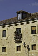 No siempre existe (Melophoto) Tags: segovia melophoto melvinramrez europa2016 espaa calles caminos callejuelas balcones luz sombra estrecho