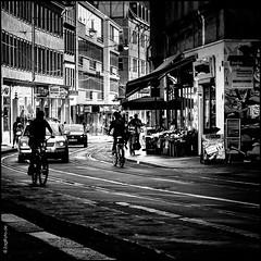 Groe Steinstrae (ZaglFoto.de) Tags: deutschland de sachsenanhalt schwarzweiss sw street streetphotography streetphotographer strase