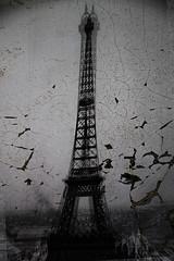 When the man comes around ... (rosa_rusa) Tags: rosarusa paris torre movimiento icono city