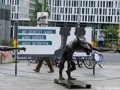 DSCF6260 (hans03) Tags: berlin washingtonplatz hauptbahnhof ausstellung knstler rainer opolka