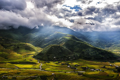 land of Beauty (Joseph.chia2820) Tags: landscape sunray photography landscapephotography outdoor cloud mountain sky field hill scenery