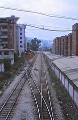 China - Yunnan - Kai Yuan / Amichou /  (railasia) Tags: china yunnan kaiyuan cnr metergauge infra alignment shed 2003