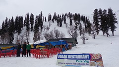 Gulmarg Gondola (Rckr88) Tags: asia india kashmir gondola gulmarggondola gulmarg snow mountains mountain