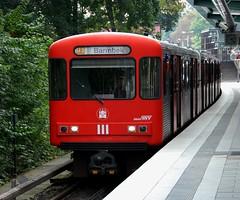Hamburg, Kellinghusenstrae 28.09.2012 (The STB) Tags: subway metro hamburg ubahn hha undeground hochbahn dt3 hamburgerhochbahn doppeltriebwagen3