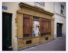 Boutique ocre (afantelin) Tags: street wood decay boutique rue iledefrance bois paris13 butteauxcaille