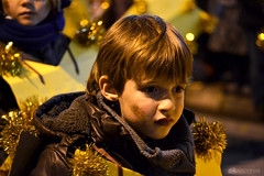 (muerdelaespina) Tags: christmas boy yellow star navidad costume kid nikon child ride retrato parade amarillo disguise disfraz chico niño estrella pequeño threekings cabalgata magi wisemen reyesmagos d3100 muerdelaespina