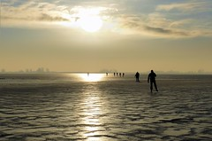 Enjoying the infinite ice sheet of the Gouwsea (B℮n) Tags: winter sea cold holland ice netherlands dutch de outdoors was frozen natural bevroren time weekend skating 1996 over wave skaters topf300 cm journey skate historical loves 12 moment 2009 topf200 infinite marken dik volendam speedskaters grote ijs schaatsen the monnickendam schaats laatste keer historische markermeer dicht 200faves gouwzee 300faves schaatsfeest schaatstocht ijstocht gouwsea dichtbevroren ijsoppervlakte