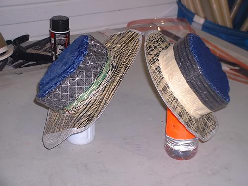 Hattar av segeltyg