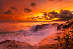 The Everlasting Burn @ China Walls (rayman102) Tags: sunset seascape hawaii oahu portlock chinawall watermotion chinawalls