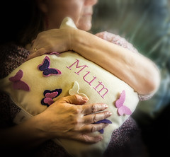 Mothers day Images - Playing with some ideas (Ian Johnston LRPS) Tags: red bag march nikon mother mum cushion mothersday d800 2015 2470f28