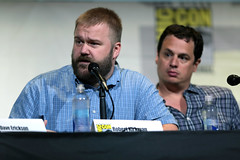 Robert Kirkman & Dave Alpert (Gage Skidmore) Tags: dave erickson alpert greg nicotero robert kirkman gale anne hurd colman domingo kim dickens cliff curtis frank dillane mercedes mason alycia debnam carey lorenzo james henrie danay garcia fear walking dead amc san diego comic con international california convention center