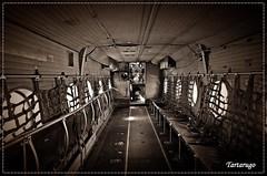 Interior de un DHC-4 Caribou (Tartarugo) Tags: madrid bw espaa white canada primavera blanco museum del de cuatro spring spain y pentax aircraft air sunday negro transport may mayo museo caribou salidas aire domingo k5 transporte aviones espaol ejercito iis 2014 t9 vientos balack aerodromo havilland dhc4 tartarugo