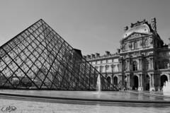 Louvre (neku.chou) Tags: paris louvre muse pyramide architecture modernit verre court napolon ieoh ming pei palais france nikon 5200 city ville