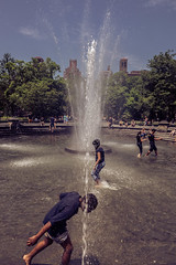 Summer in the city (Piotr_PopUp) Tags: nyc newyorkcity manhattan washingtonsquarepark fountain kids summer city desaturated us usa street streetphotography