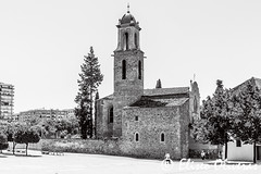 Sant Marti de Provencals - Another Barcelona (Eliseo Oliveras) Tags: eliseooliveras eliseooliveras barcelona catalonia spain barcelone catalogue catalunya catalua espaa espagne espanya urban city street life districtedesantmart building architecture blackandwhite history time changes monochrome monochromatic gothic lategothic outdoor santmartdeprovenals church iglesia esglsia glise arquitectura