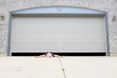Miss Adventure (eddi_monsoon) Tags: threesixtyfive 365 selfportrait selfie self portrait garagedoor
