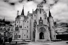 Palacio Episcopal de Astorga (Dany Velasco) Tags: astorga