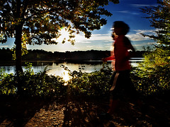 Herbstlauf (Jo Dudek) Tags: duisburg bäume himmel herbst landschaft laub natur outdoor sonne sechsseenplatte wedau wasser wambach