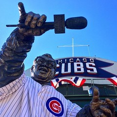 ''Twas the night, before the night ⚾️ #Repost @spindlegram ・・・ #harrycaray #cubs (southportcorridorchicago) Tags: instagramapp square squareformat iphoneography uploaded:by=instagram cubs southportcorridor lakeview chicagocubs worldseries chicago wrigleyville southport wrigley wrigleyfield fall