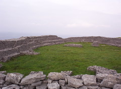 Dn Crocbhur (Gaeilge Bheo) Tags: galway archaeology megalithic stone circle site ancient fort hill amphitheatre celtic conor crematorium connacht largest inis dun megalith connaught ceremonial conors dn inishmaan mein rainn galliamh igdaily crocbhur cnocbhur