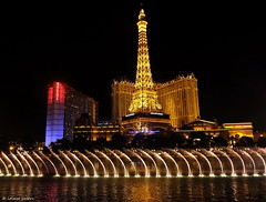In the middle of the desert (louise peters) Tags: usa america lasvegas nevada casino thestrip bellagio vs amerika fountainshow fontein thestates verenigdestaten